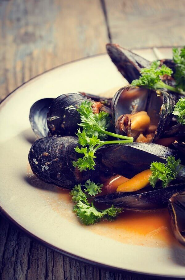 Mussels in a white wine and butter sauce