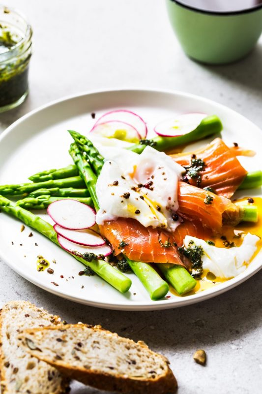 smoked salmon with poached egg, salmon roe, asparagus and sauce