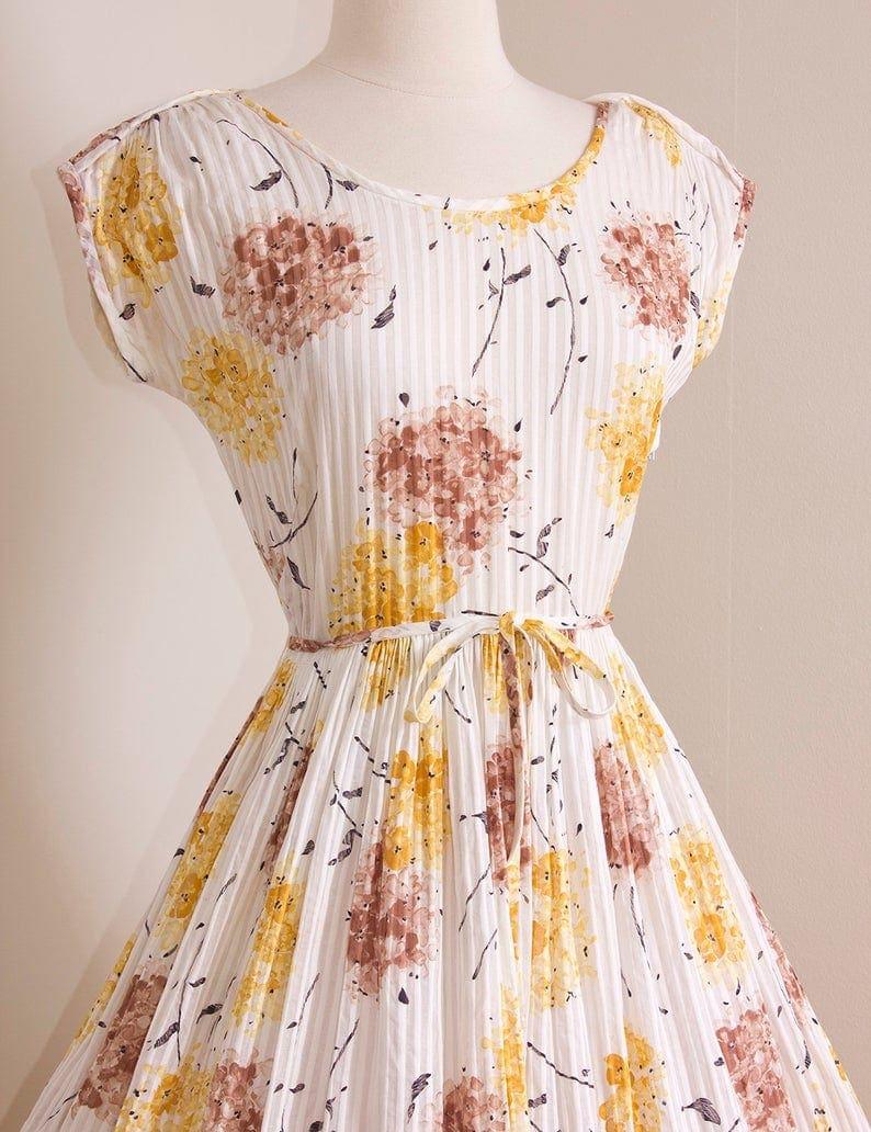 1950s Floral & Feminine Dress